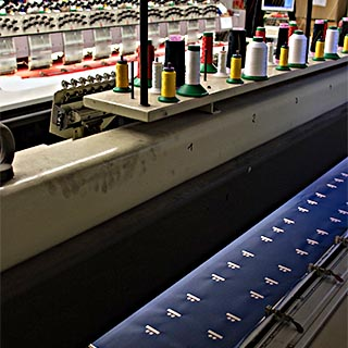 Maschinen-Stickerei